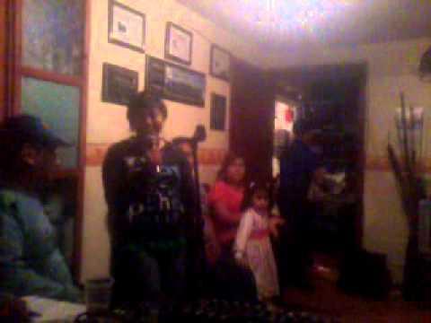 Mimisol cantando