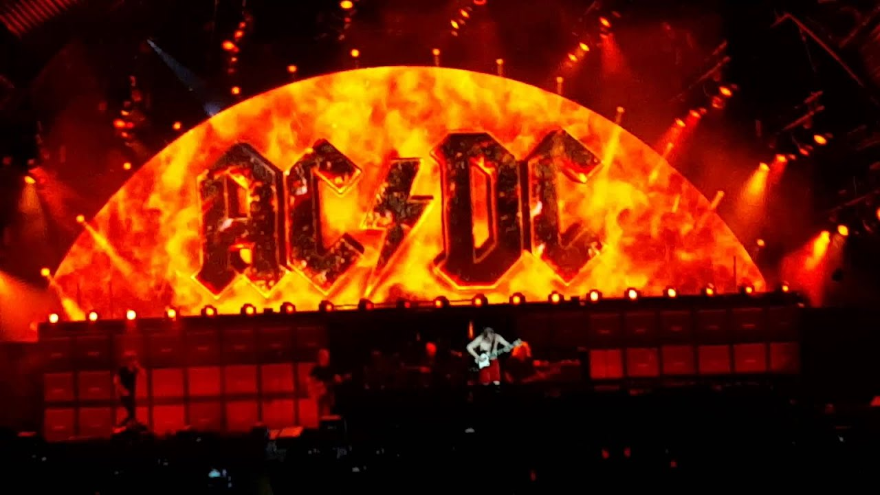 ac dc highway to hell live zurich 05 06 15 youtube. Black Bedroom Furniture Sets. Home Design Ideas