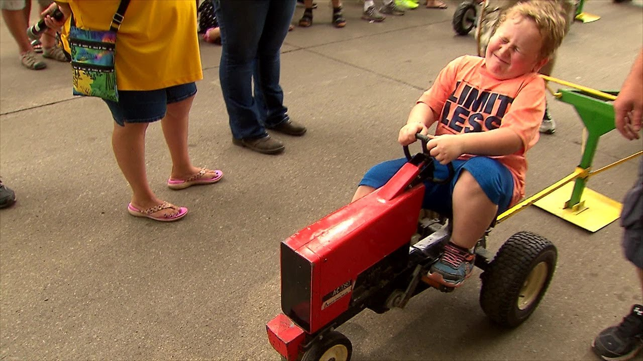 It's great fun and probably more entertaining than it should be. Pedal Tractor Pull Youtube