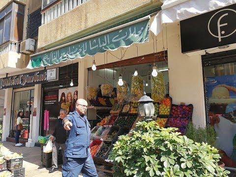 شاهد بائع خضروات يجذب زبائنه للشراء عن طريق الغناء -موائد رمضان  - 19:20-2017 / 6 / 22