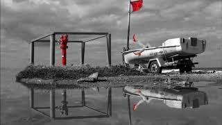 Tosca - Love Boat (Shanti Roots & Scheibosan Distraction Version feat. Jesskitty)