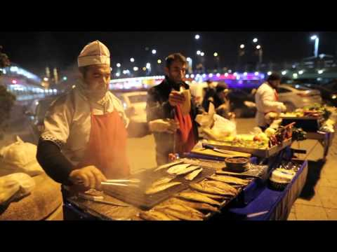 Istanbul City Guide: Eminönü Fish Sandwich Boat -- Historical street food