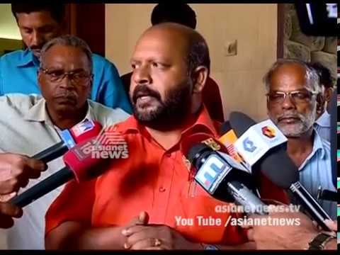 VS Sunil Kumar visit writer M. T. Vasudevan Nair