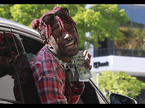 """Lil Uzi Vert """"Throws Fans Cell Phones After Taking Selfie At Concert"""""""