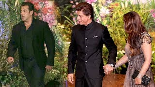 Salman Khan's MACHO ENTRY Next To Shahrukh Khan At Sonam Kapoor's Shaadi thumbnail