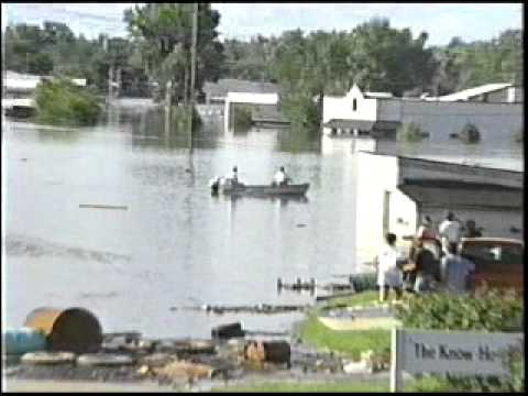 The Great Des Moines Flood of 1993. North of University