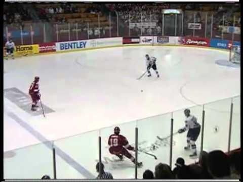 Rimouski oceanic making fun of Montreal Junior trap by making 16 straight passes