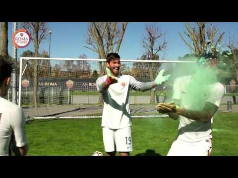 Happy Holi from AS Roma!