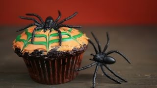 How To Make a Moving Halloween Cupcake [Reverse]