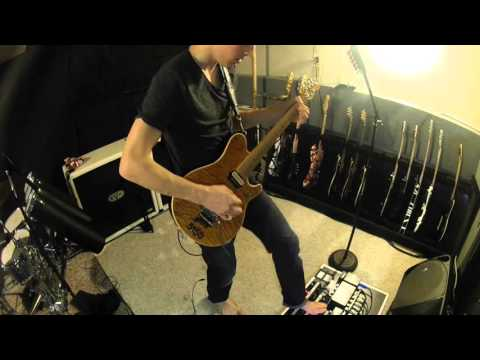 Messing around with Ernie Ball Music Man EVH Guitar ~ Chris Hubbard