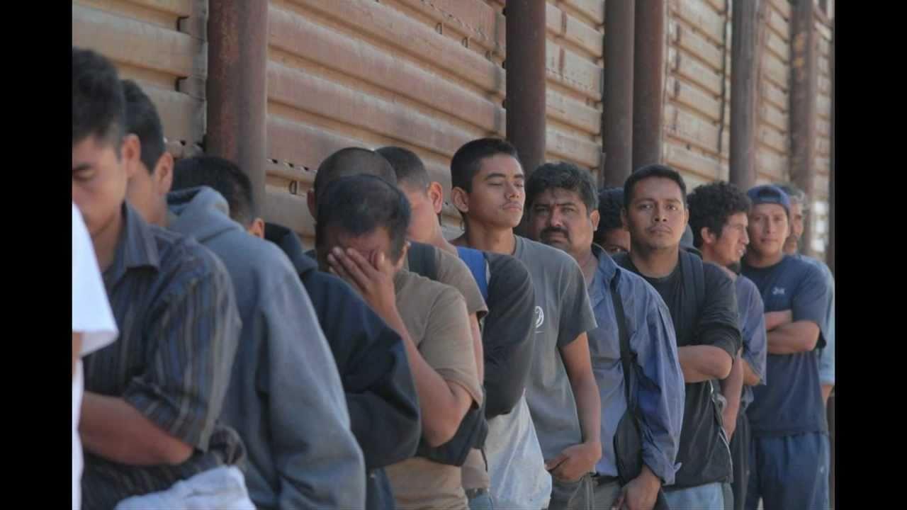Casa del migrante en tijuana 24 a os youtube for Mural de la casa del migrante