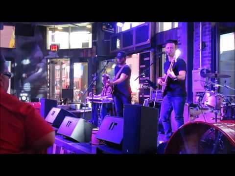 Live Music On Lower Broadway In Nashville, Tennessee