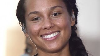 Repeat youtube video The Real Reason Alicia Keys Stopped Wearing Makeup