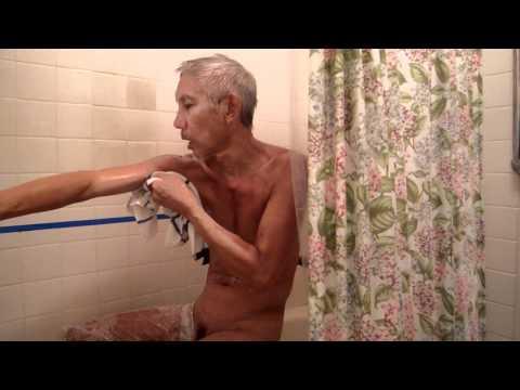 Duen's First Bath at Home after Quadruple Heart Bypass Surgery