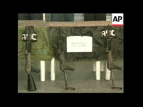 Pastrana visits area where paramilitaries arrested