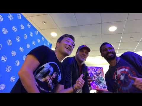 Doing a signing with GEOFF JOHNS at the ATT Times Square location in support of Justice League!
