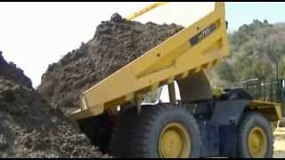 Komatsu dump truck HD785 and wheel loader WA900