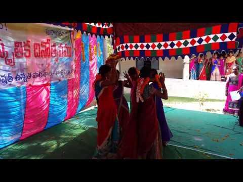 Pacha pachani pachani palle bathukamma song dance by ZPSS THALLAPENTA students