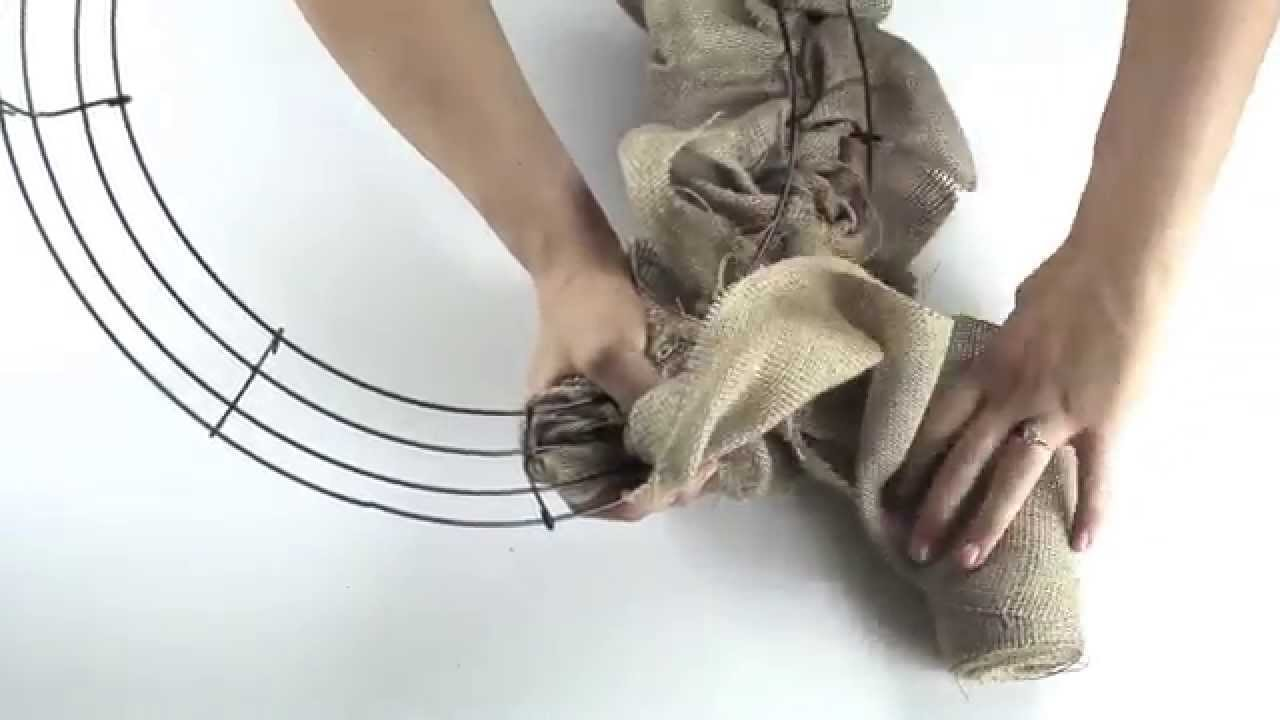 Making a Burlap Wreath | Tips and Tricks