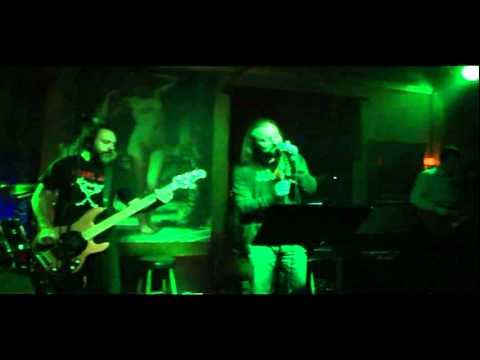 Barbie's hysterectomy - IntroHell / Words on my patio (Live @ Ghost house 19/11/11)