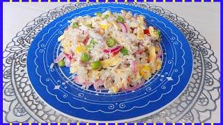 Салат с яичными блинчиками, курицей и гавайской смесью овощей