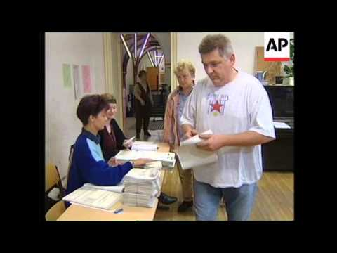 GERMANY: POTSDAM: VOTING BEGINS IN ELECTIONS