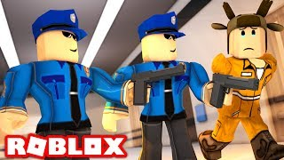 GOING TO JAIL IN ROBLOX! (Roblox Jailbreak)