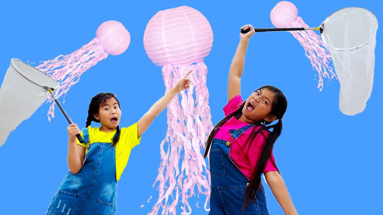 Jannie & Emma Go Jellyfishing Cooking Hamburgers & Camping | Kamp Koral: SpongeBob's Under Years