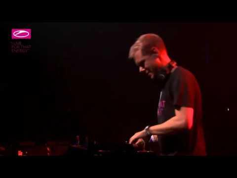 Arizona - Allen Watts @ Live Armin Van Buuren #ASOT800 Utrecht