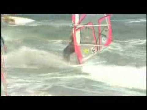Onshore Wave Sailing