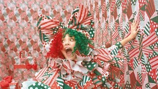 Sia - 'Everyday is Christmas' - Photoshoot with Maddie Ziegler