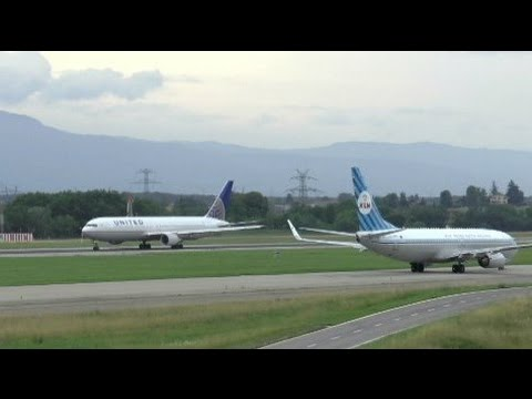 [HD] FULL MOVIE - Planes in action at Geneva Airport - 20/07/2014