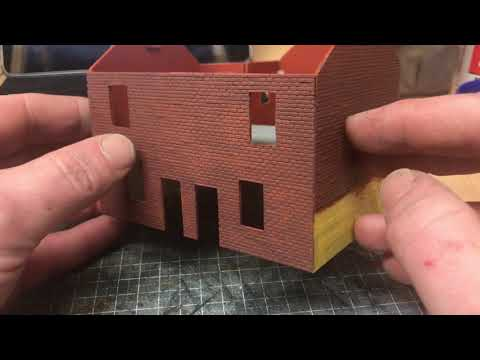 Building A OO Gauge Model Railway: Modelling Techniques – Painting Embossed Brick Work