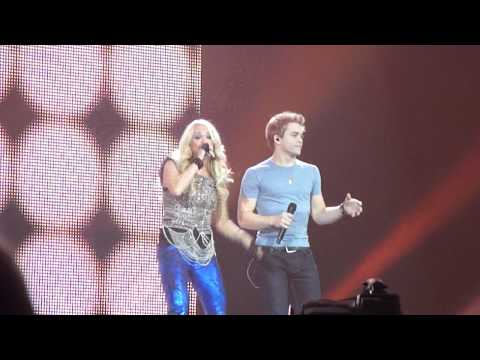 Carrie Underwood + Hunter Hayes - Leave Love Alone (blown Away Tour Live At The Fargodome 9/29/12)