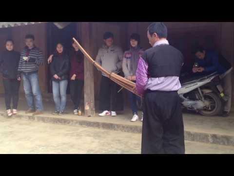 Tiếng khèn người dân tộc H Mông thổi khi đi cưới vợ