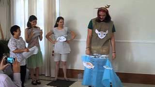 """""""Interpretando"""" uma historinha infantil japonesa na festinha de fim..."""