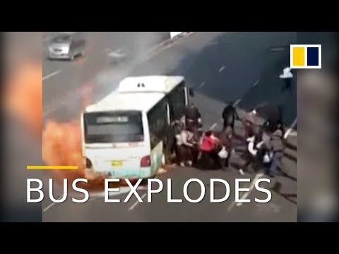 Bus explodes minutes after passengers escape