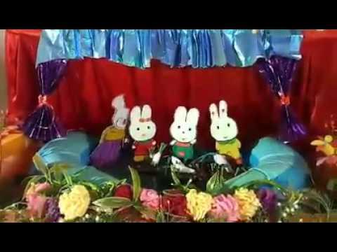 """Trẻ xem vở rối nước """" cây rau của thỏ"""""""