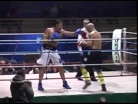 """DAVID LARRINAGA (BASAKICK) VS J.R. FERNANDEZ """"RIGA"""". BOXEO. 14.12.2013 Urduliz"""