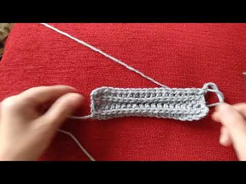 Вязаное кепи для женщин крючком