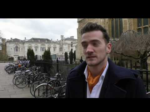 Magician Matthew Le Mottee In Action On The Streets Of Cambridge