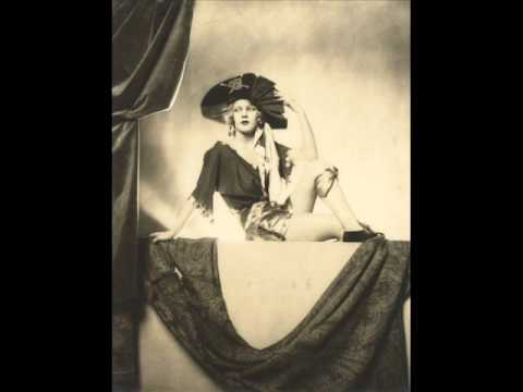 Lotte Lenya - Moon of Alabama (Good Quality Audio)