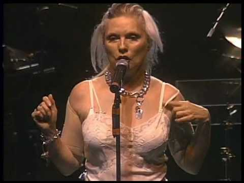 BLONDIE Don't Touch Me, You're Too Hot 2009 LiVe