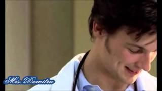 Doctors Diary- Er sieht so aus als ob er Werbung für Buttermilch macht