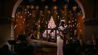 Loreen sjunger sin tolkning av Metallicas