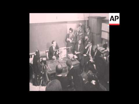 SYND 6 1 68 DR CHRISTIAAN BARNARD PRESS CONFERENCE