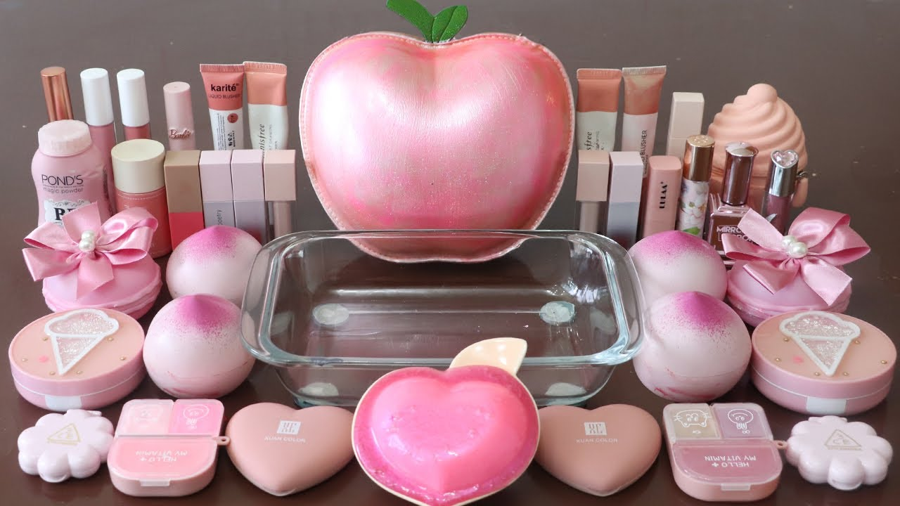 """Mixing""""Pink Apple"""" Eyeshadow and Makeup,parts,glitter Into Slime!Satisfying Slime Video!★ASMR★"""