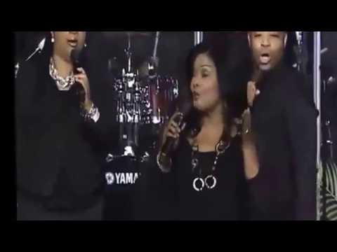 CeCe Winans - LIVE in Concert