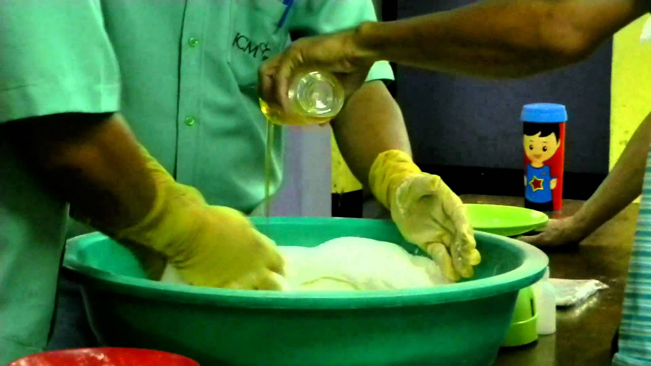 Detergent Cake Making