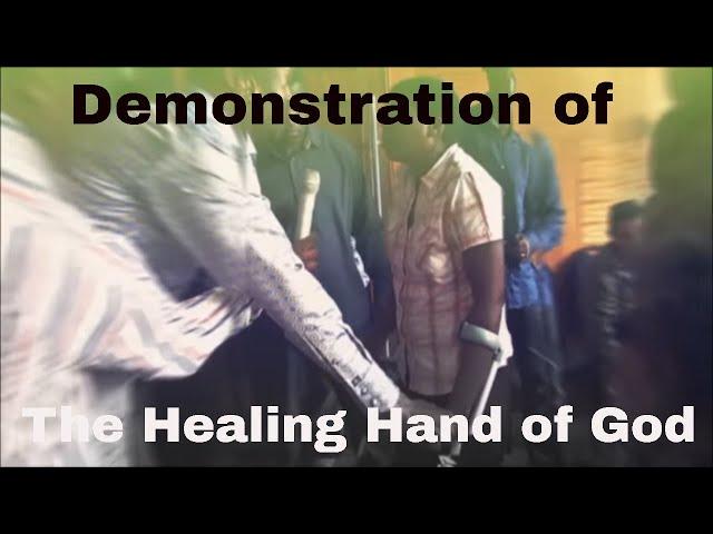 Watch as Emmanuel Makandiwa Demonstrate The Healing Hand of God